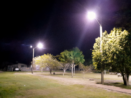 Praça do Porto Colônia recebe nova iluminação